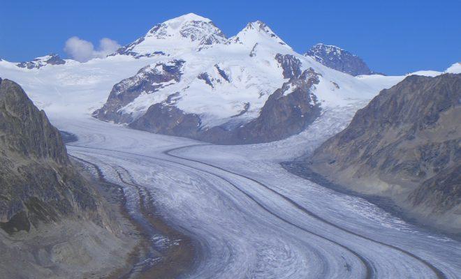 https://commons.wikimedia.org/wiki/File:Aletsch_Glacier.jpg