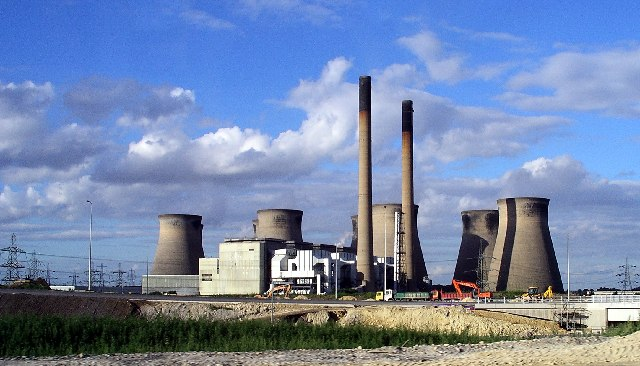 https://en.wikipedia.org/wiki/Ferrybridge_power_stations
